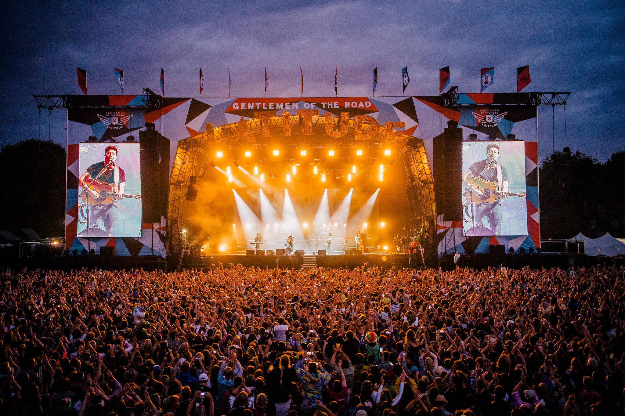mumford_and_sons63_website_image_2x_vfpk_standard