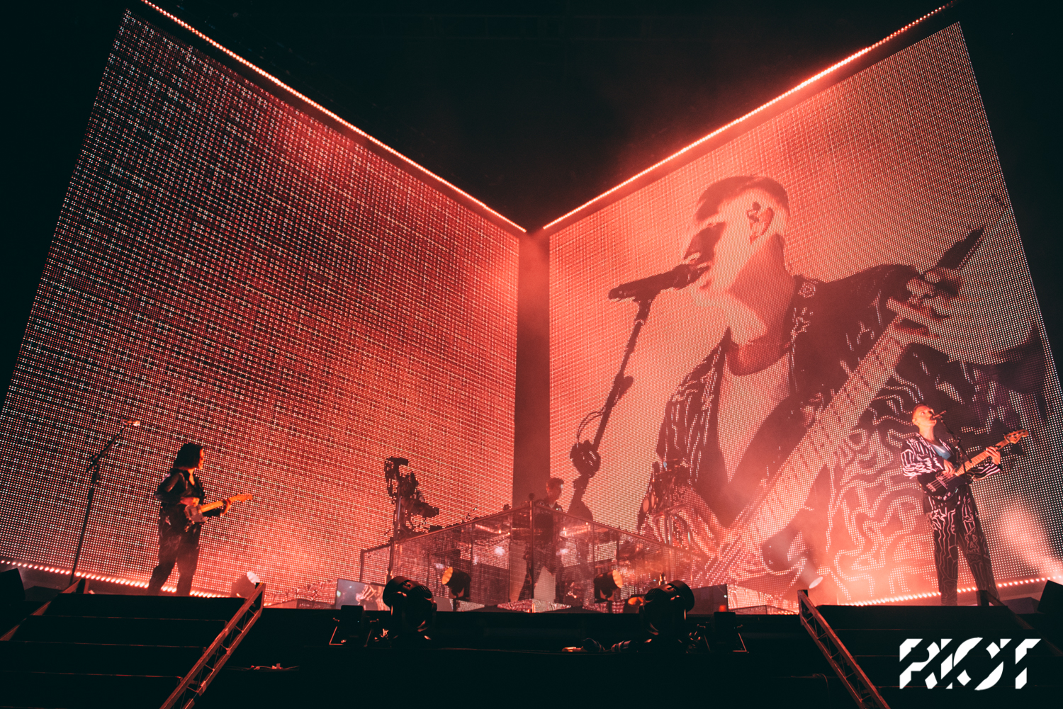 See out pictures of The xx's headline show here